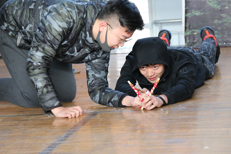 Zhengzhou Campus Hosts Teamwork Winter Olympics