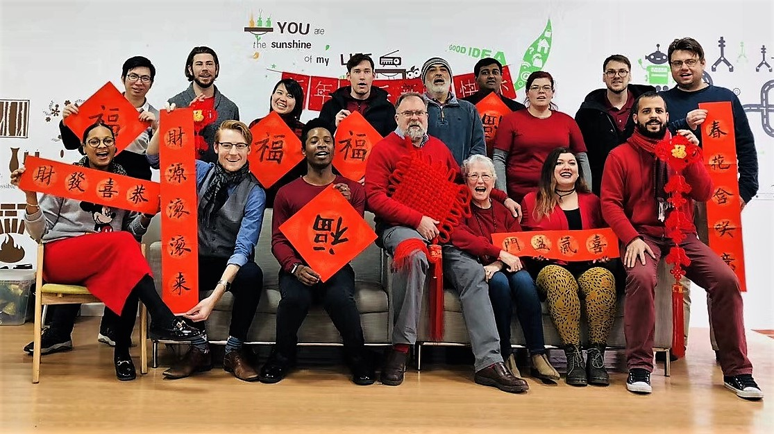 Ningbo Teachers Learn Chinese New Year traditions